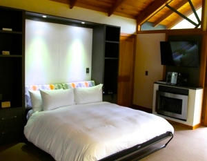 Kauri Chalet with Queen bedding
