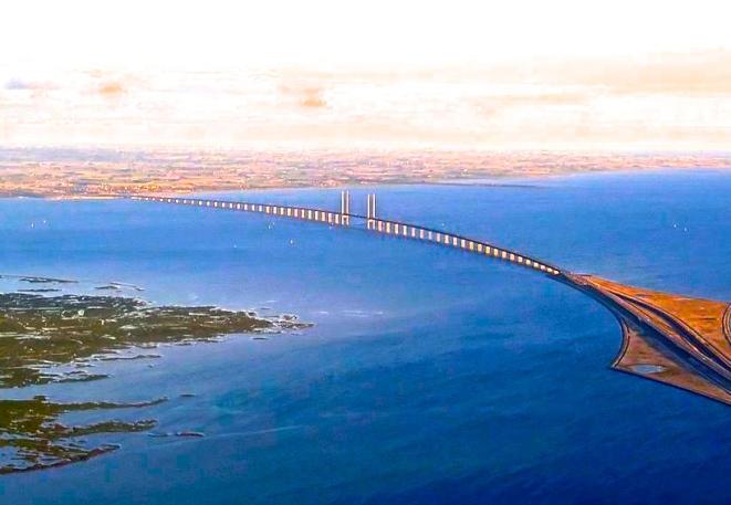 1280px-Oeresund_Bridge
