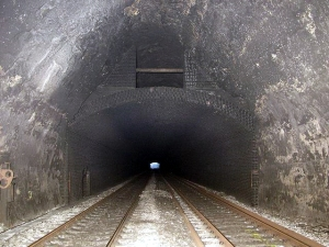 Inside_Box_Tunnel_-_geograph.org.uk_-_325048