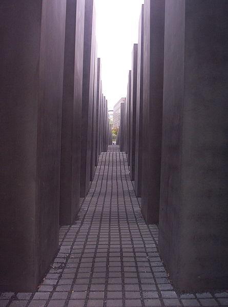 445px-Holocaust_memorial_Berlin