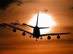 aircraft-1362587__180.jpg