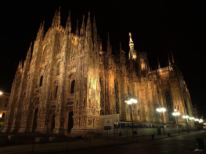 Duomo_di_milano,_exterior_(14133669368).jpg