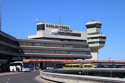 airport-3416447__340.jpg